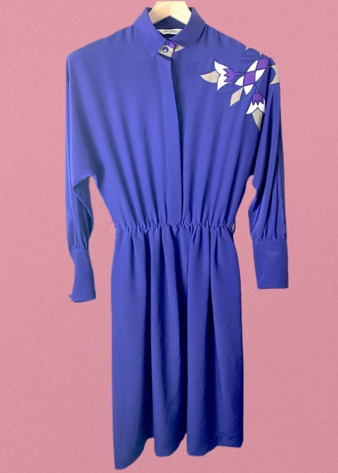 robe violette - face