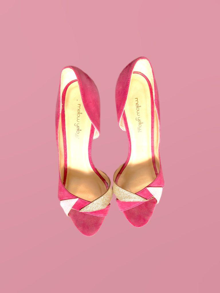 sandales roses et dorées